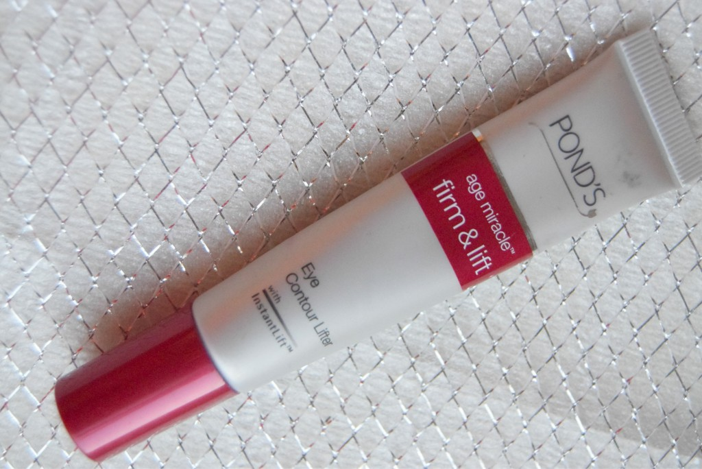 Pond's Age Miracle Firm & Lift Eye conotur Lifter