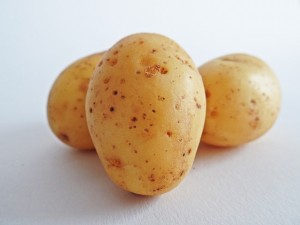 homeremedy for dark circles-potato for dark circles