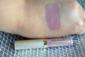 Eternal Love liquid Lipstick Set Baci Swatch review